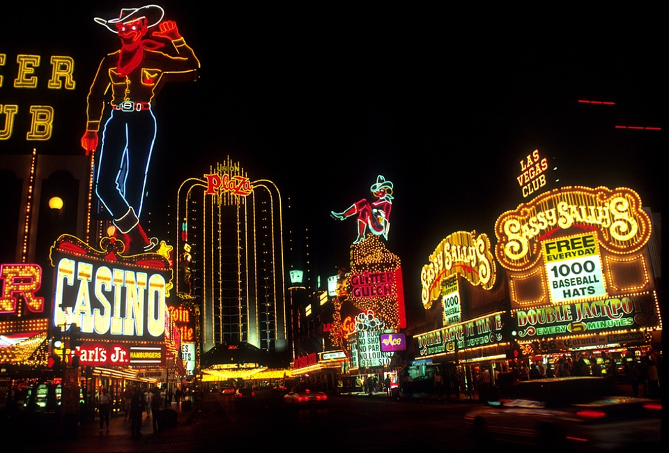 PostImage It offers networking opportunities for casino companies lasvegas night time in neon lights - 3 Reasons Why Gambling Industry Managers Should Attend Casino Gaming Events